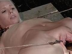 blonde clamp
