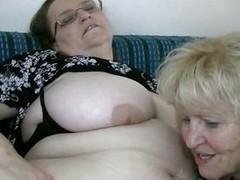 belly boobs