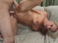 HOT MILF FUCKS HER SONS FRIEND...usb