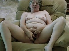 Grannys new black dildo