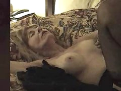 Mature slut creampied by black dick