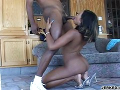 Swarthy Hot Babe Sydney Capri Deliciously Fills Her Face Hole With A Juicy Black Schlong