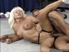 Dirty blonde housewife goes crazy part3