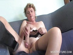 Mature amateur dildoing pussy