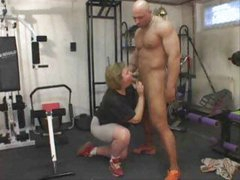 Chubby Mature Exercises Her Ass