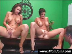 Randy Spears gets it on with an amateur mother and daughter tandem