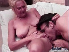 This mature lady loves to get on top