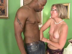 Southern MILF Suz Gets Black Cock